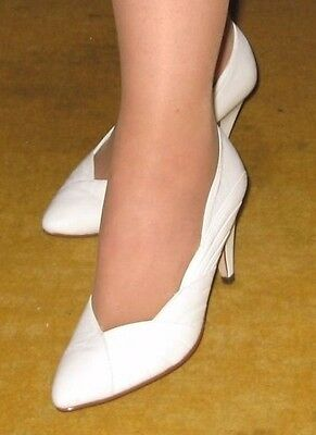 vintage Shoes from Studio.wedding Size 3 from the 1990s