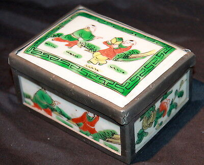 ANTIQUE FINE CHINESE PORCELAIN EXPORT  Famille PAINTED BOX Late 19th C