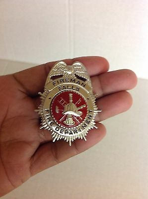 Blackinton Fireman Falls Fire Department Badge B575