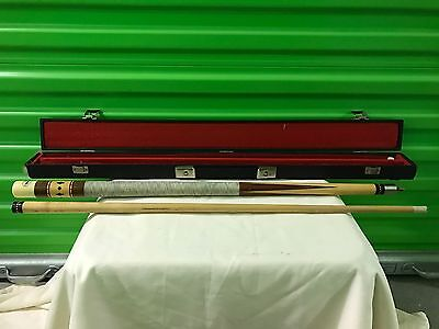 Standard Very Nice Spalding Pool Cue With Case