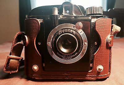 Vintage 1947 Camera, Beacon By Whitehouse In Brooklyn, NYC With Case & B Setting