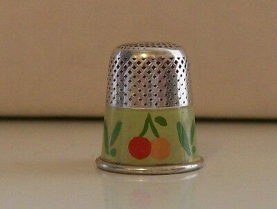 Lovely 800 Silver Italian Thimble with Lovely Decor