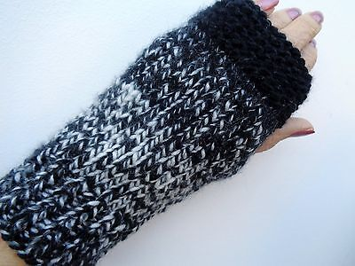 Ladies Chunky, 'Ombre' Hand Knitted Wrist/Hand Warmers/Fingerless Gloves (M) NEW