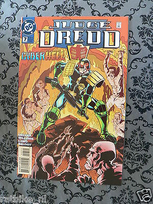 Usa Comic Judge Dredd Cyberhell 1995 No 7 Dc Comics