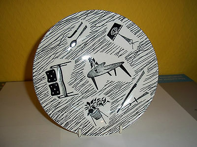 """Vintage Ridgway 7"""" homemaker pattern pottery plate in used condition."""