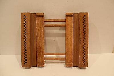 Pampered Chef Expandable Wooden Trivet Stoneware