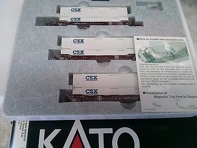 N Scale  Kato Set of Flat Cars Gunderson Articulated Flat Cars and containers