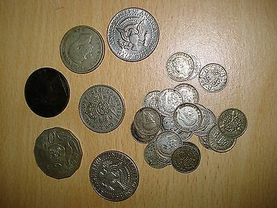 Selection of pre 1947 and pre 1920 silver coins and mixed currency/coins