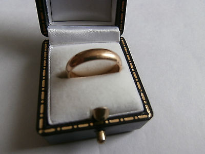solid 9ct gold wedding ring hallmarked good condition