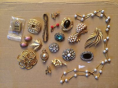 Job Lot Of Vintage Jewellery Brooches Clip On Earrings Scarf Rings Necklace