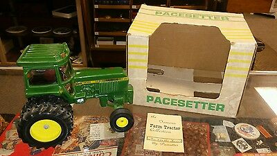 Vintage Pacesetter John Deere Decanter #1 Large Green Machine Tractor Empty