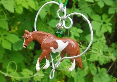 CM Breyer Mini Whinnie Sorrel Paint Wire Heart Holiday Horse Christmas Ornament