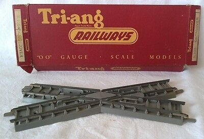 Triang OO Gauge R100 Crossover - Boxed