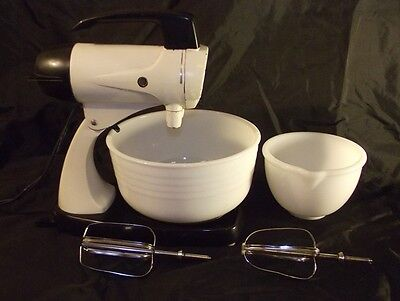 Vintage Sunbeam Mixmaster Model-12 with 2 Bowls, Beaters. 12 Speed Mixer