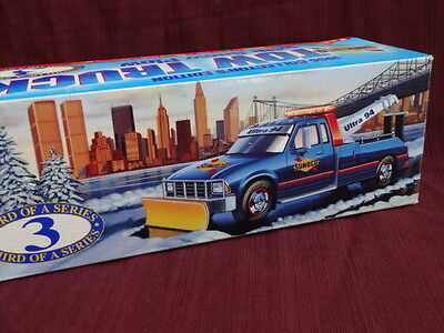 SUNOCO 1996 TOW Truck WITH SNOW PLOW Ultra 94 NIB 3rd Of A Series Lights sounds