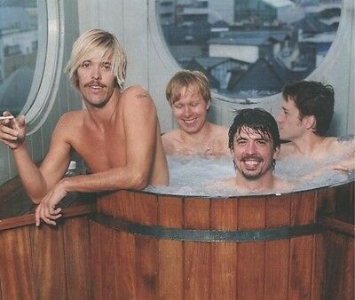 Dave Grohl, Taylor Hawkins & Nate Mendel UNSIGNED photo - H3055 - Foo Fighters