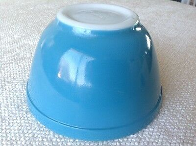 Vintage Pyrex Blue Turquoise Robins Egg 401 Small Mixing Nesting Bowl 1 1/2 pint
