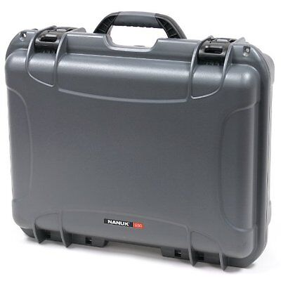 Nanuk 930 Hard Case with Padded Divider (Graphite)