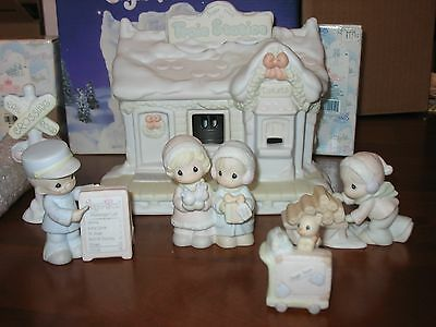 Precious Moments Sugar Town Lighted Train Station Set 150150 Lights Up