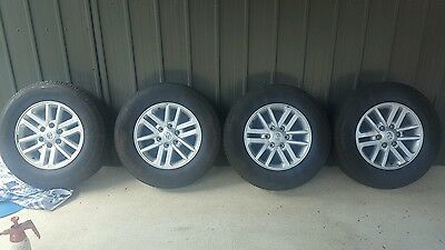 hilux sr5 wheels and tyres x4