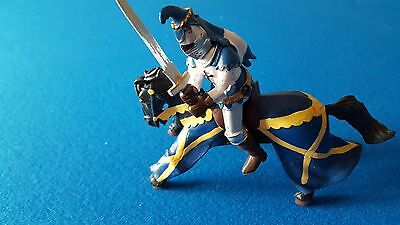 Knight & horse toy- Knight rides horse with sword