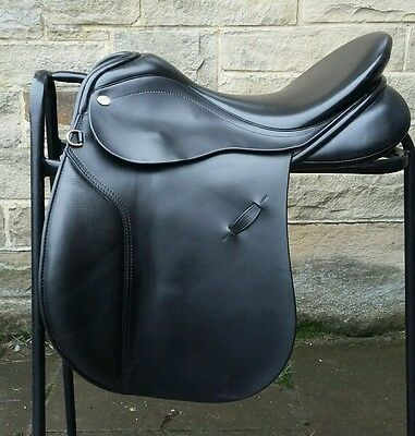"""Farrington VSD - Black - 17.5"""" - WIDE FIT - Excellent used condition"""