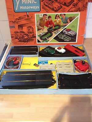 TRI-ANG MINIC MOTORWAYS M.1522 Racing Set With Two Cars All Working .
