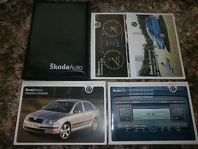 SKODA OCTAVIA HATCH & ESTATE HANDBOOK MANUAL + WALLET 2004 - pre f/lift 2009