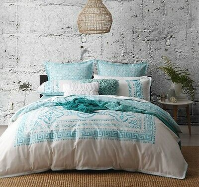 Logan and Mason MEANDROS TEAL QUEEN Size Bed Doona Duvet Quilt Cover Set NEW