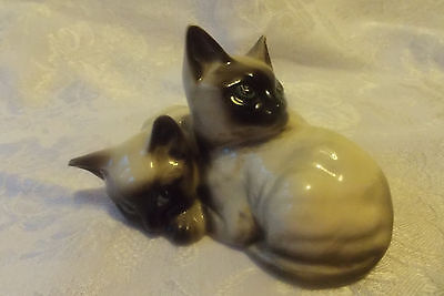 Charming BESWICK FIGURINE PAIR OF SIAMESE CATS 1296 Kittens curled up -VGC rare