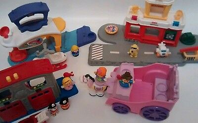 Fisher-Price Little People LOT - Airport +ROYAL CARRIAGE + Fire station +