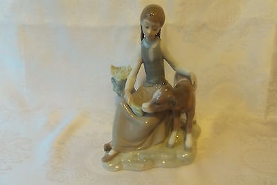 Lovely Lladro Girl Feeding Calf Figurine No 4619