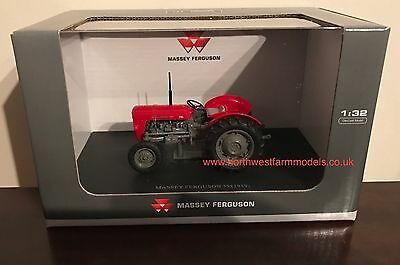 Universal Hobbies Massey Ferguson 35 1/32 Scale Classic Tractor **new Model**
