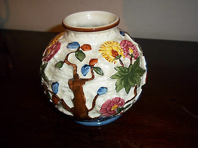 Beautiful HJ Wood Indian Tree bulbous vase, hand painted, good used condition.