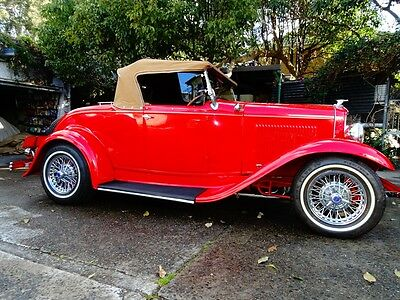 1932 Ford Deluxe Roadster - Hot rod