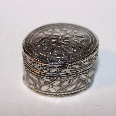 Vintage Italian floral stye oval continental pill box marked 800.