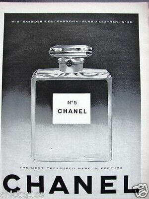1960 CHANEL No 5 Crystal Perfume Bottle Black/White Photo Cool Vintage Print Ad