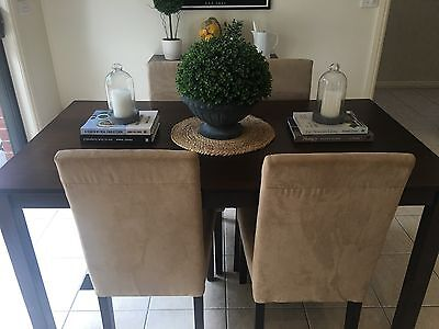 Fantastic Furniture Dining Room Table And Chairs