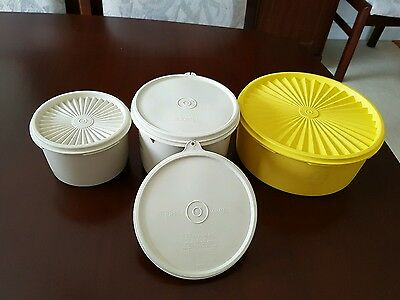 Vintage Tupperware Cannisters / Containers