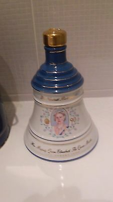 Authentic Bells Whiskey Porcelain Decanter Queen Mothers Birthday Vintage Wade