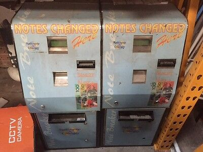2x Note changing machines