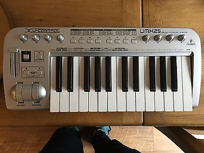 Behringer X U-control - UMX 25 - Midi Keyboard & Interface Included -With manual