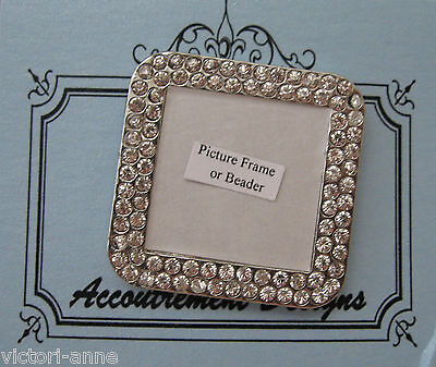 Accoutrement Designs Picture Frame Clear Beader Needle Magnet Mag Friends