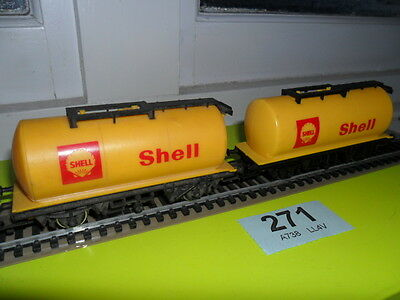 OO Gauge Pair of Shell tanker wagons by Hornby unboxed