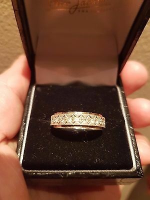 9 carat gold eternity ring UK size N 1/2 approx 3.1 grams