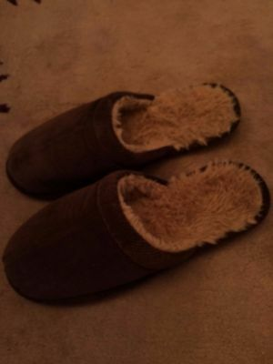 Men's Slippers (Maine)12 Only worn once - cost £16