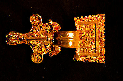 Bow Brooch - Square headed - TB12