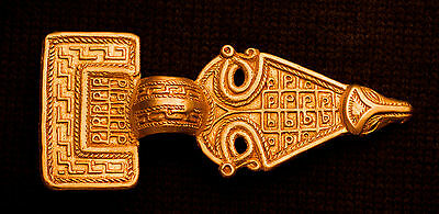 Bow Brooch - Square headed - TB29