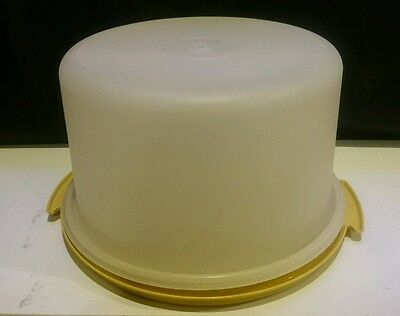 Tupperware Vintage Harvest Gold Cake Taker  #684