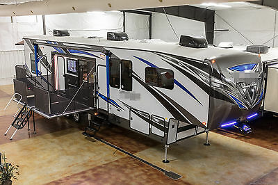 New 2017 40D12 4 Season Side Deck Slide Out Luxury 5th Fifth Wheel Toy Hauler